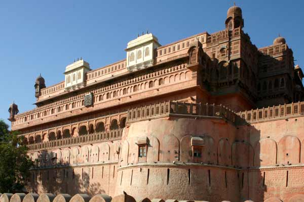 Car hire in Bikaner