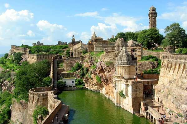 Car hire in Chittorgarh